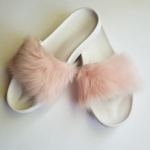 ef30cb2e269 NEW UGG Royale Pink Fur Slides Slippers Sandals 9 NWT